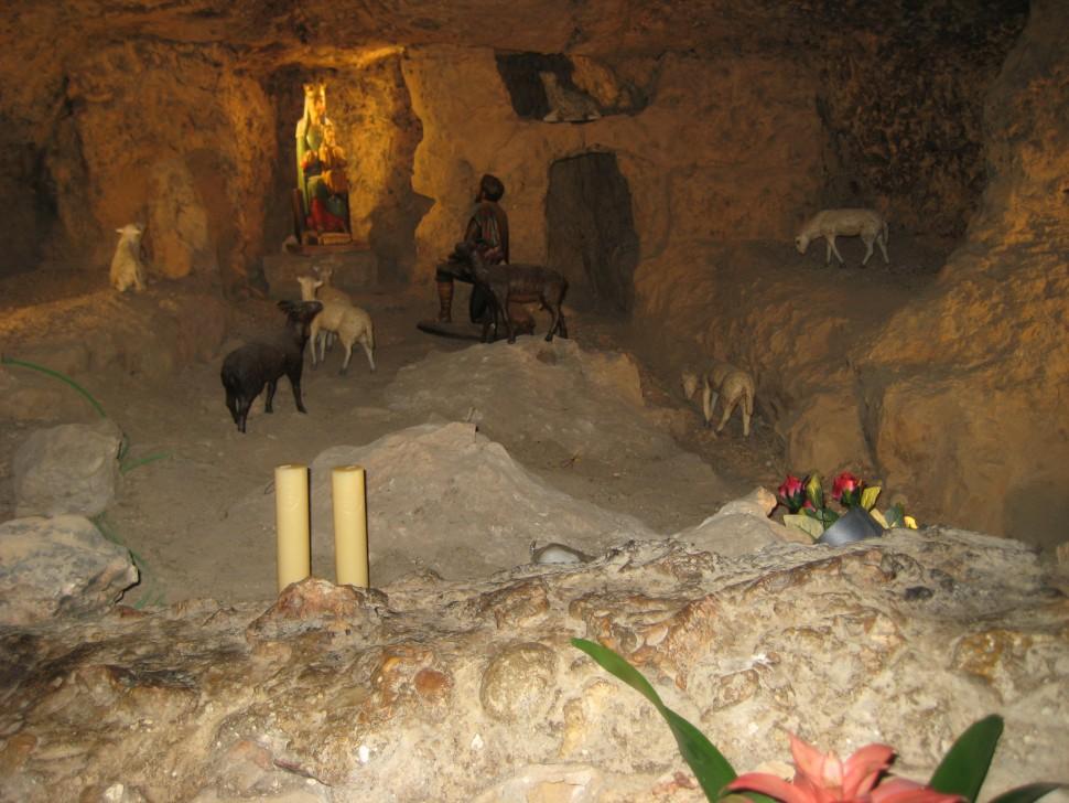 Santuario de la Balma. Visitar santuario de la Balma