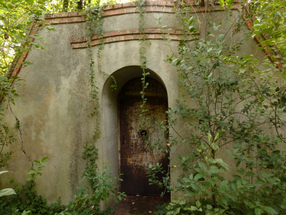 Parque El Capricho - bunker el capricho visitas