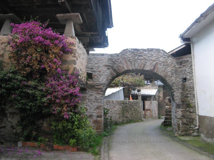 Arcos de Brieves. Cedida por la Oficina Municipal de Turismo de Luarca