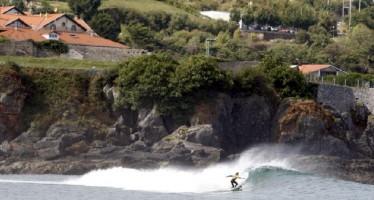 Mundaka, una playa surfera en Vizcaya