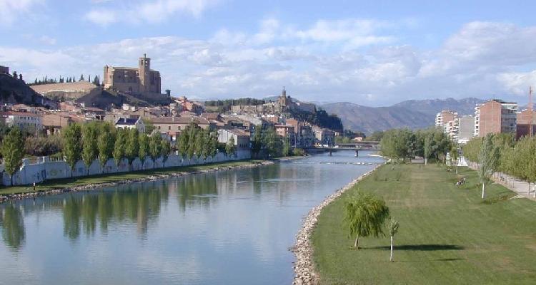 Balaguer a orillas del Segre. Cedida por Turismo de Balaguer