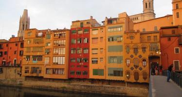 Girona. Entre calas recónditas, pueblos medievales y volcanes.
