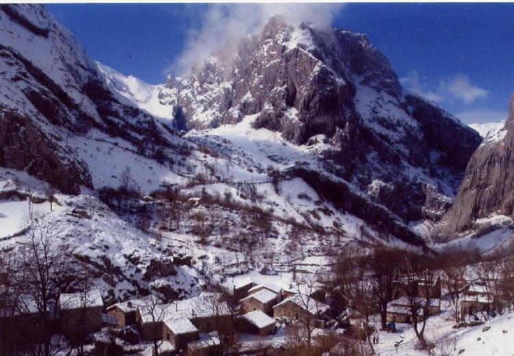 Bulnes. Turismo Asturias