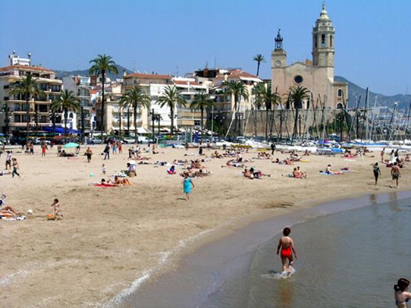 Playa la fragata en sitges for Oficina de turismo de sitges