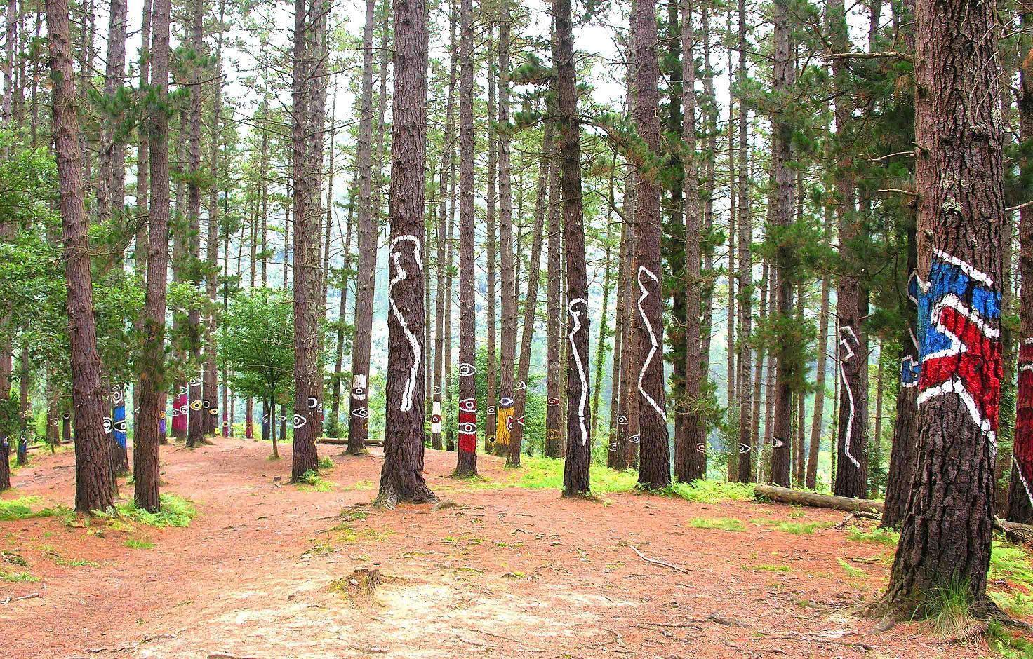 Bosque pintado de Oma. Archivo propiedad de Urremendi