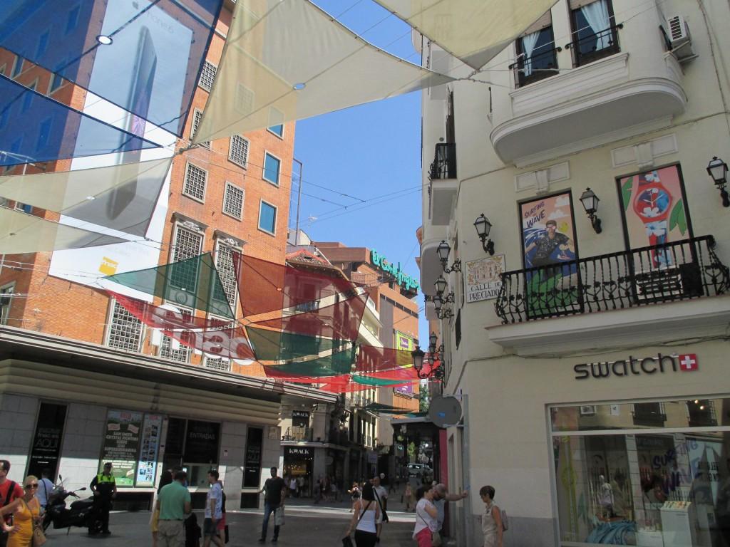 Alojamiento en el centro de madrid jc rooms santo for Alojamiento madrid centro