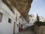 Setenil de las Bodegas, un pueblo bajo las rocas