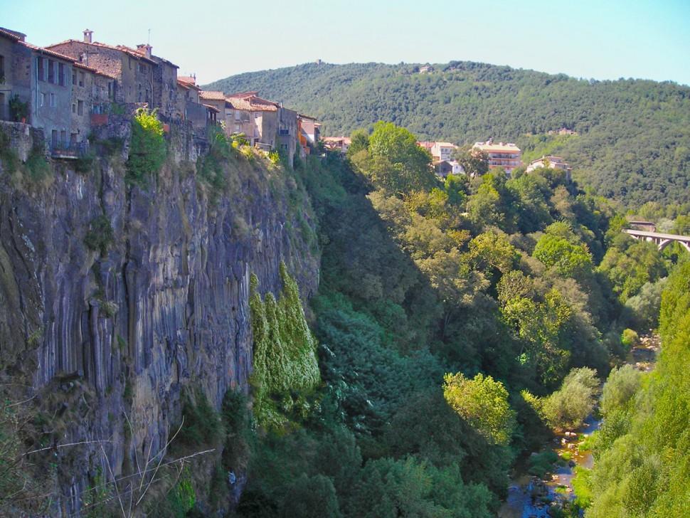 Castellfollit de la Roca. Turismo Girona