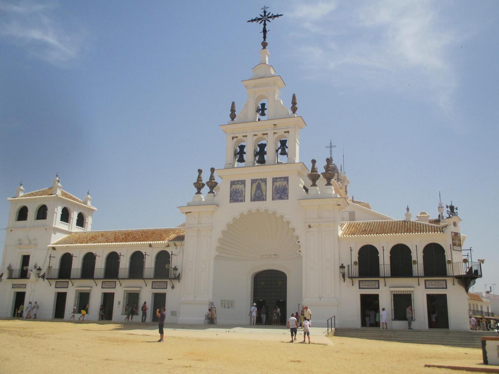 Santuario de nuestra Señora del Rocío. Visitar Huelva
