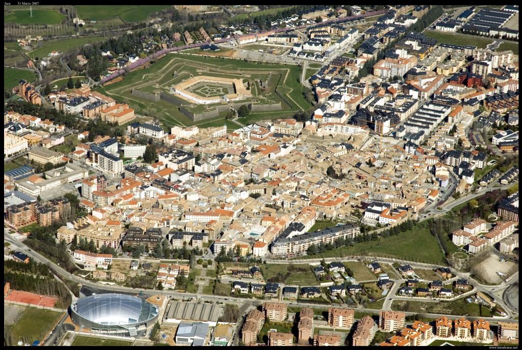 Jaca Aérea. Fuente Luis Alcaraz. Turismo Huesca