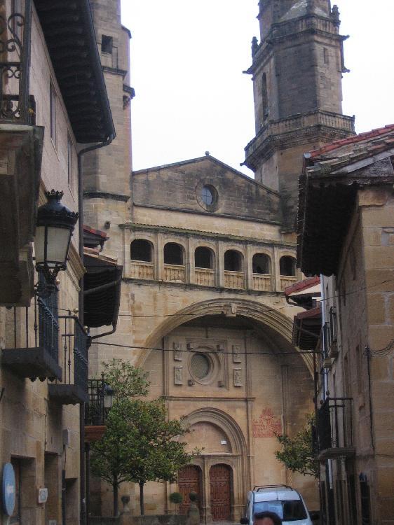 Iglesia San Andrés en Elciego. Visitar País Vasco
