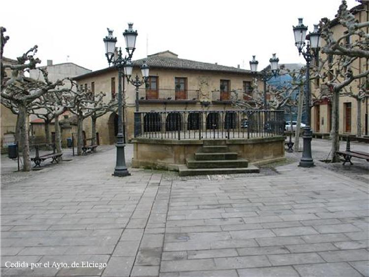 Plaza Mayor en Elciego. Visitar País Vasco