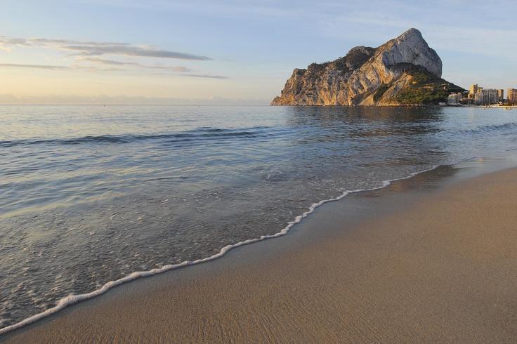 Playa de la Fossa. Visitar Calpe