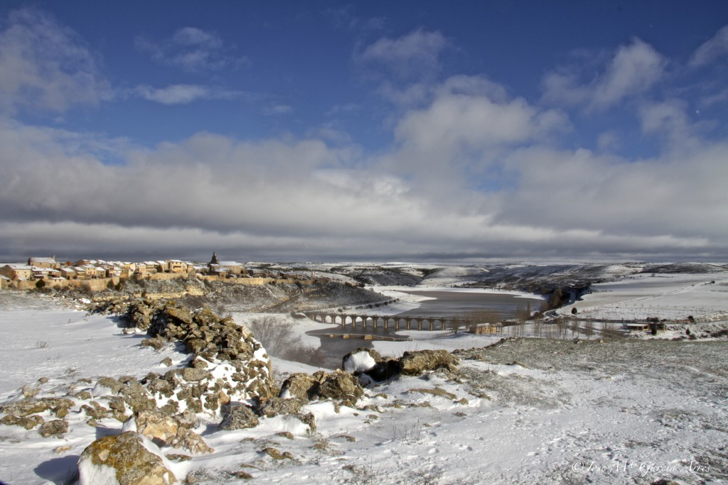 Maderuelo nevado Segovia. Autor José María García Arrés