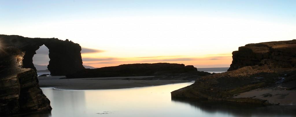 Playa de las Catedrales. Fuente Oficina de Turismo de Ribadeo