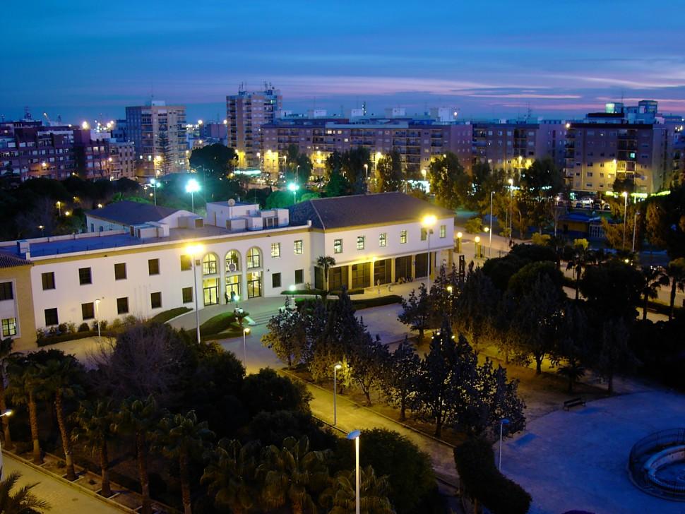 Centro Cívico nocturno de Sagunto. Foto P. Agudo. Turismo Sagunto