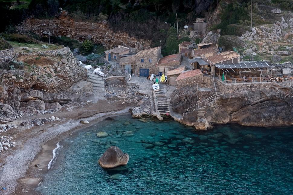 Cala Deià. Las mejores playas de Mallorca. Autor Miika Silfverbeg