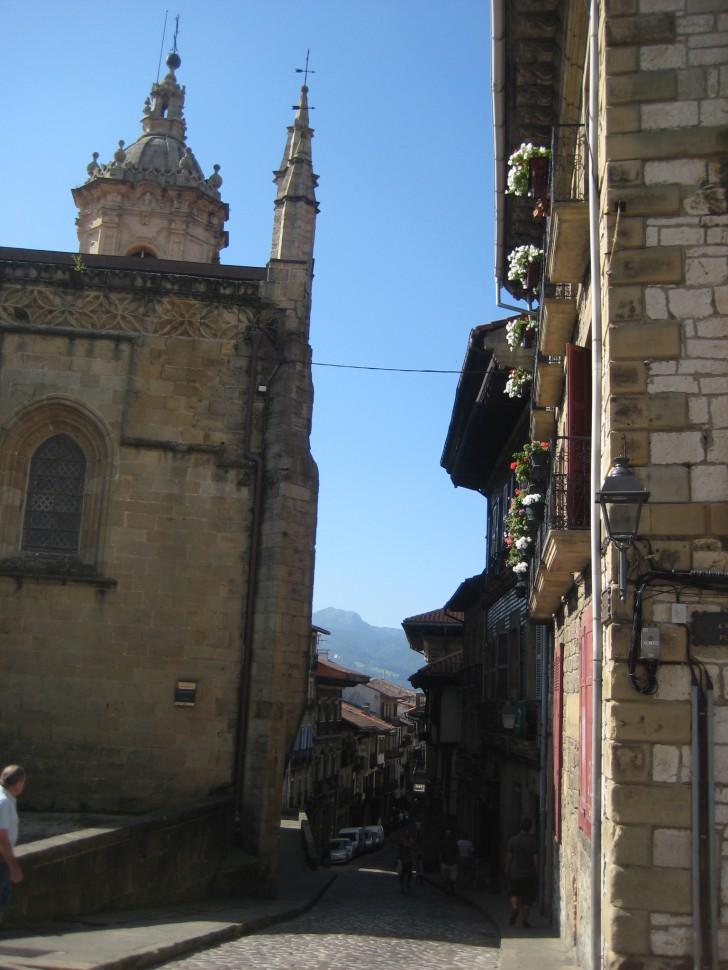 Iglesia Parroquial de Santa María de la Asunción y del Manzano. Visitar País Vasco