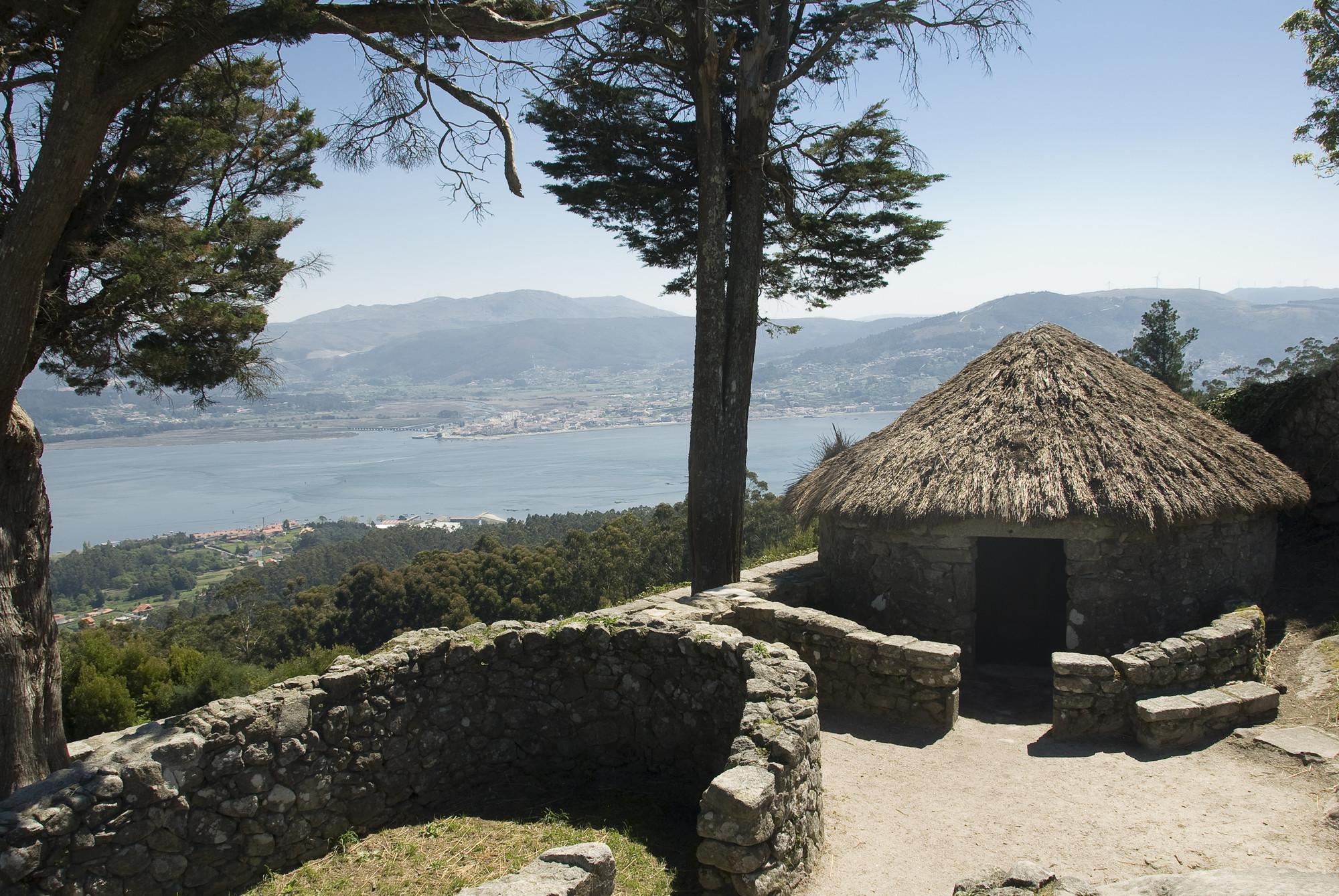 Monte Santa Tecla. Fuente Oficina de Turismo de Rías Baixas