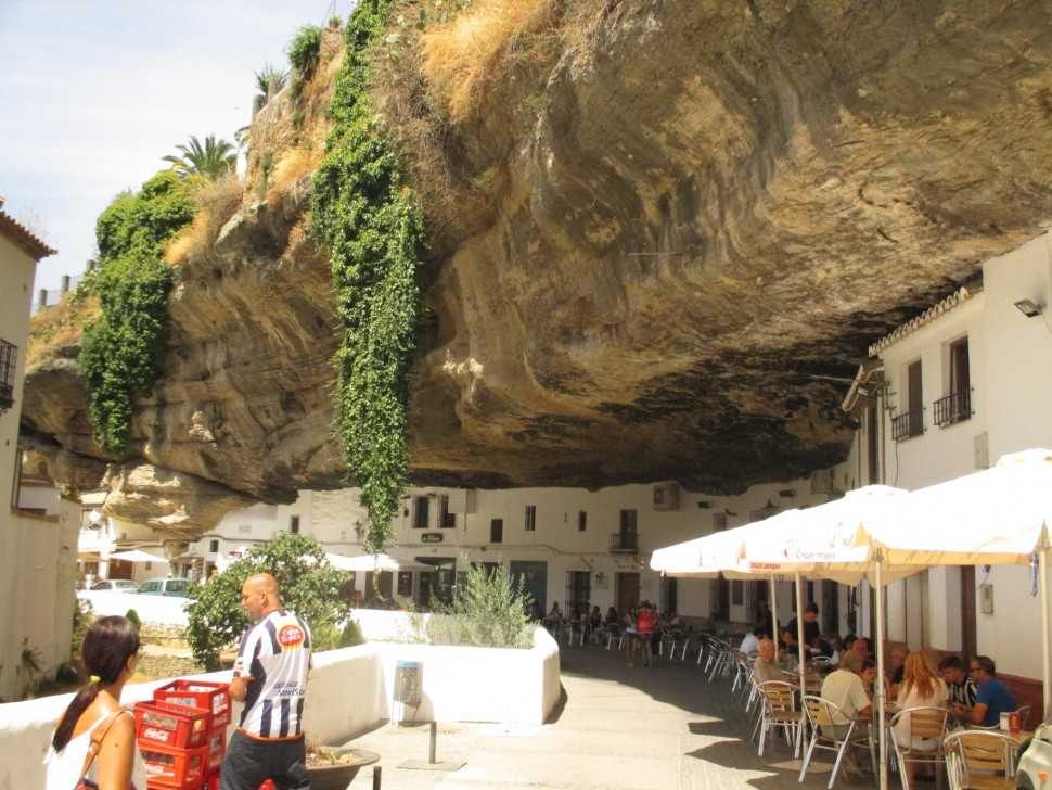 Setenil de las Bodegas. Pueblos de Andalucía