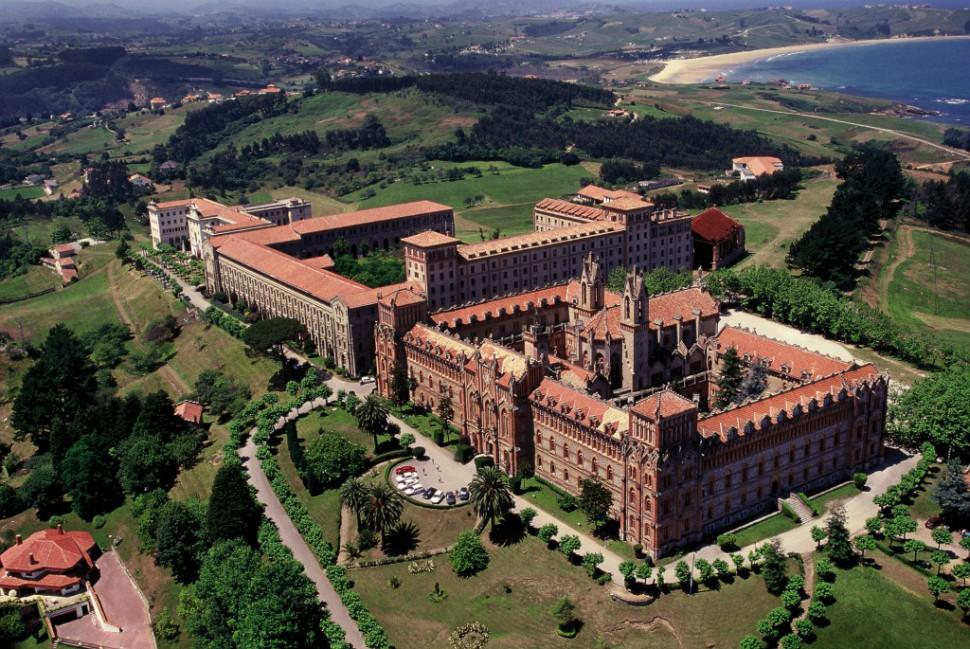 Universidad Pontificia de Comillas - Pueblos bonitos de Cantabria