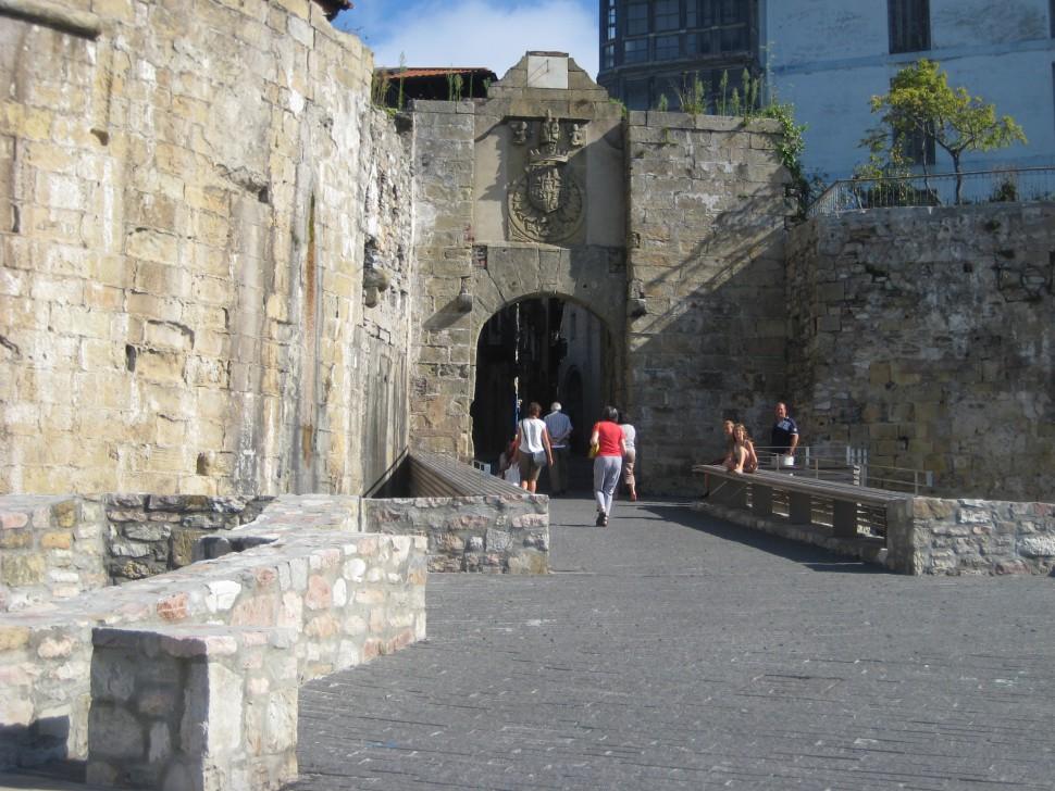 Entrada a Hondarribia. Visitar País Vasco