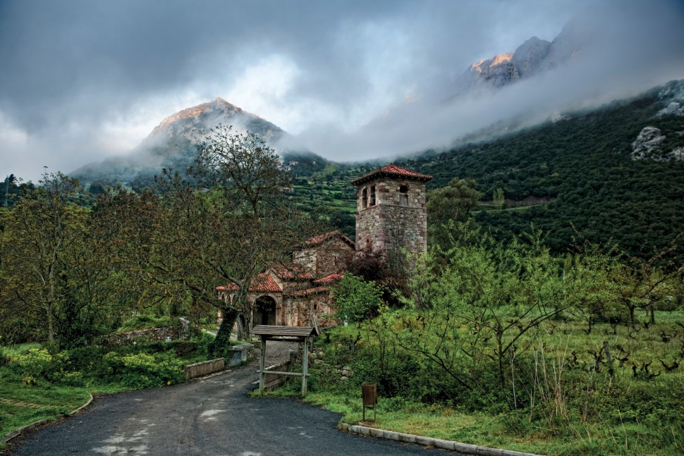 Iglesia de Santa Maria de Lebeña. Cillorigo de Liébana. Turismo en Cantabria