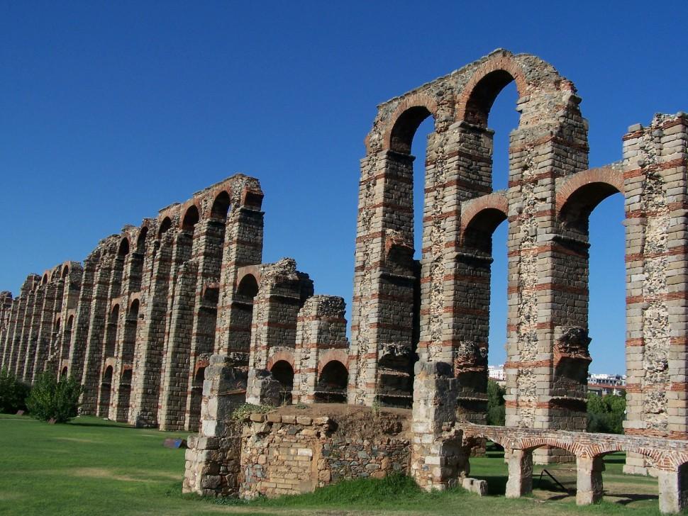 Acueducto de los Milagros Visitar Mérida