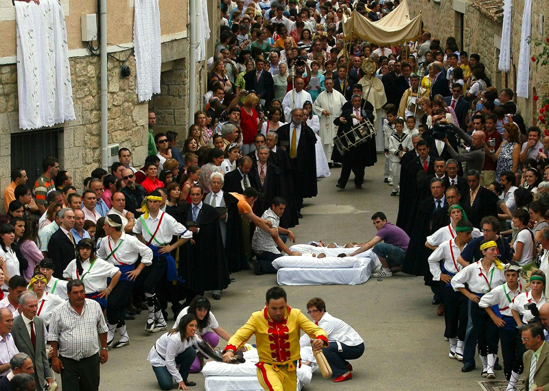 El Colacho - Castrillo de Murcia - Fiestas Corpus en España