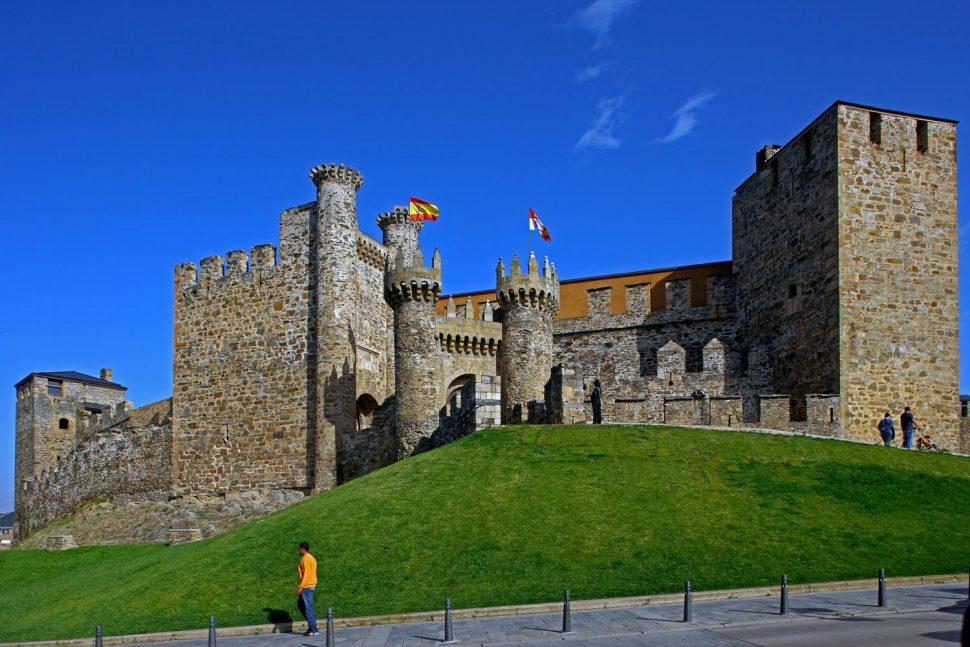 Castillo Templario de Ponferrada - Qué ver en León y alrededores