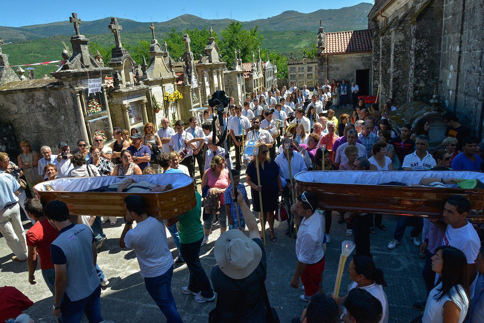 Santa María de Ribarteme ataúdes.