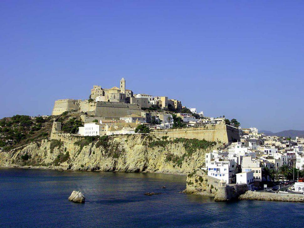 Dalt Vila - Ibiza - Baleares Turismo