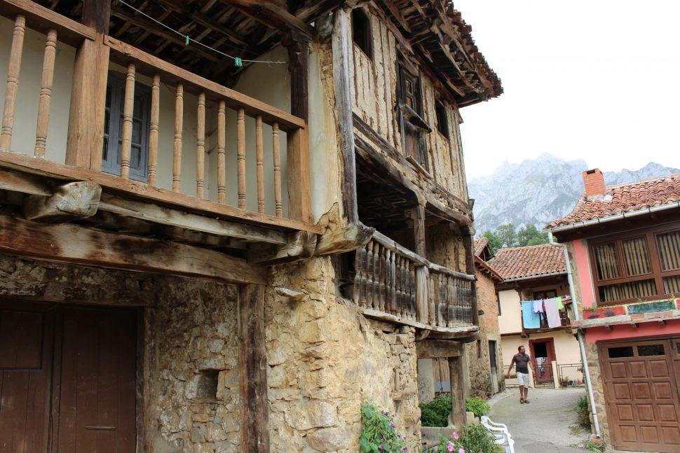Mogrovejo - Visitar Cantabria - los pueblos más bonitos de Cantabria