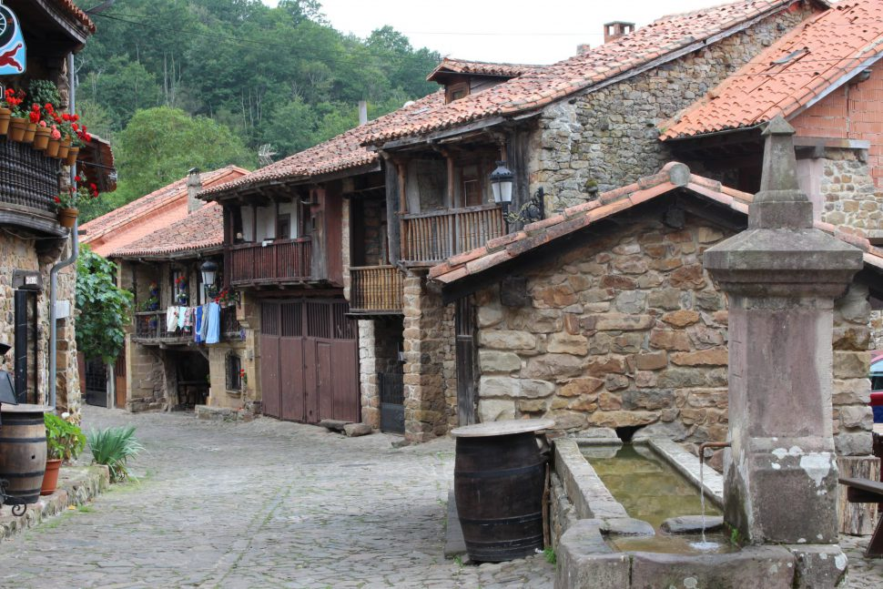 Bárcena Mayor - pueblos más bonitos de Cantabria - Visitar Cantabria