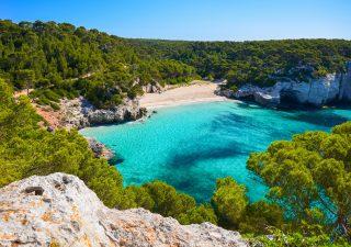 Menorca Calas -destinos fin de semana españa