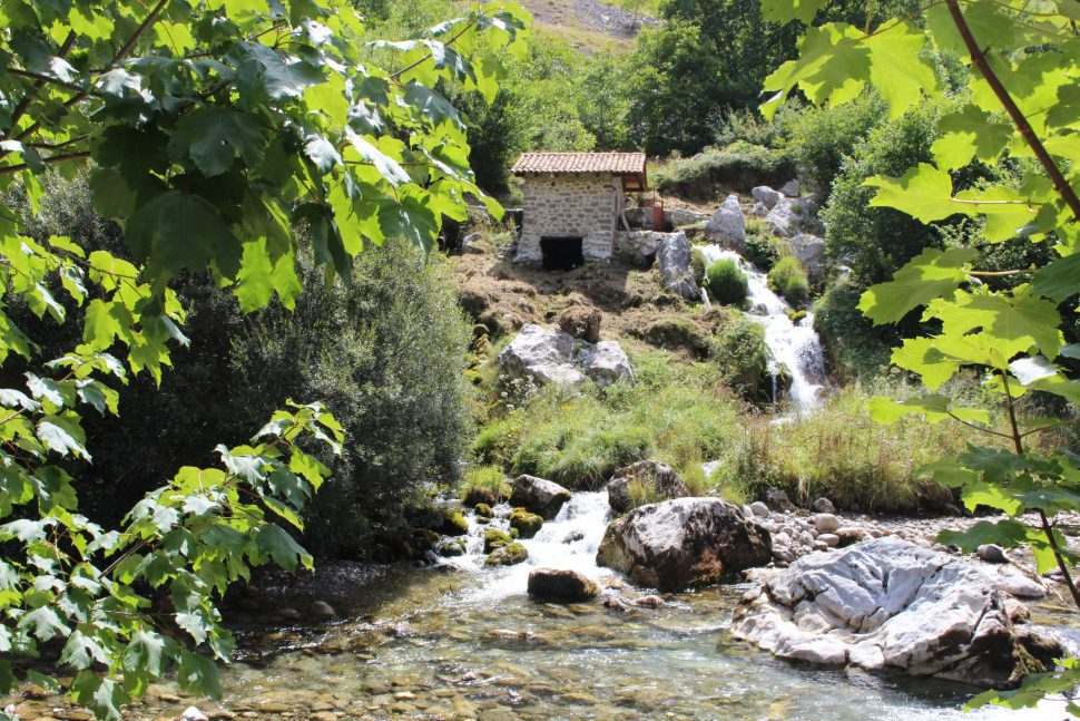 Caín de Valdeón Ruta del Cares Asturias